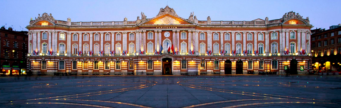 https://media.aircorsica.com/sites/default/files/2017-07/activite-capitole-toulouse-2.jpg